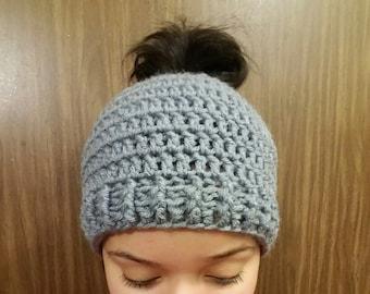 Crochet Messy Bun Hat, Messy Bun Hat, Messy Man Bun Hat, Pony Tail Hat, Pony Tail Beanie, Messy Bun Toque
