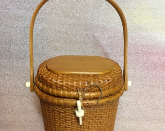Nantucket Basket Purse Simply Varnished