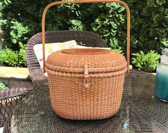 Large Oval Nantucket Lightship Basket Purse