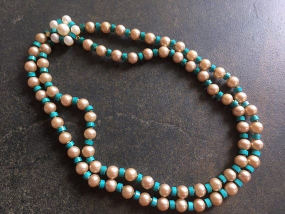 Vintage MARVELLA NECKLACE double strand crystal-fantastic color green-incredible color in the clasp-a stunning piece of vintage jewelry