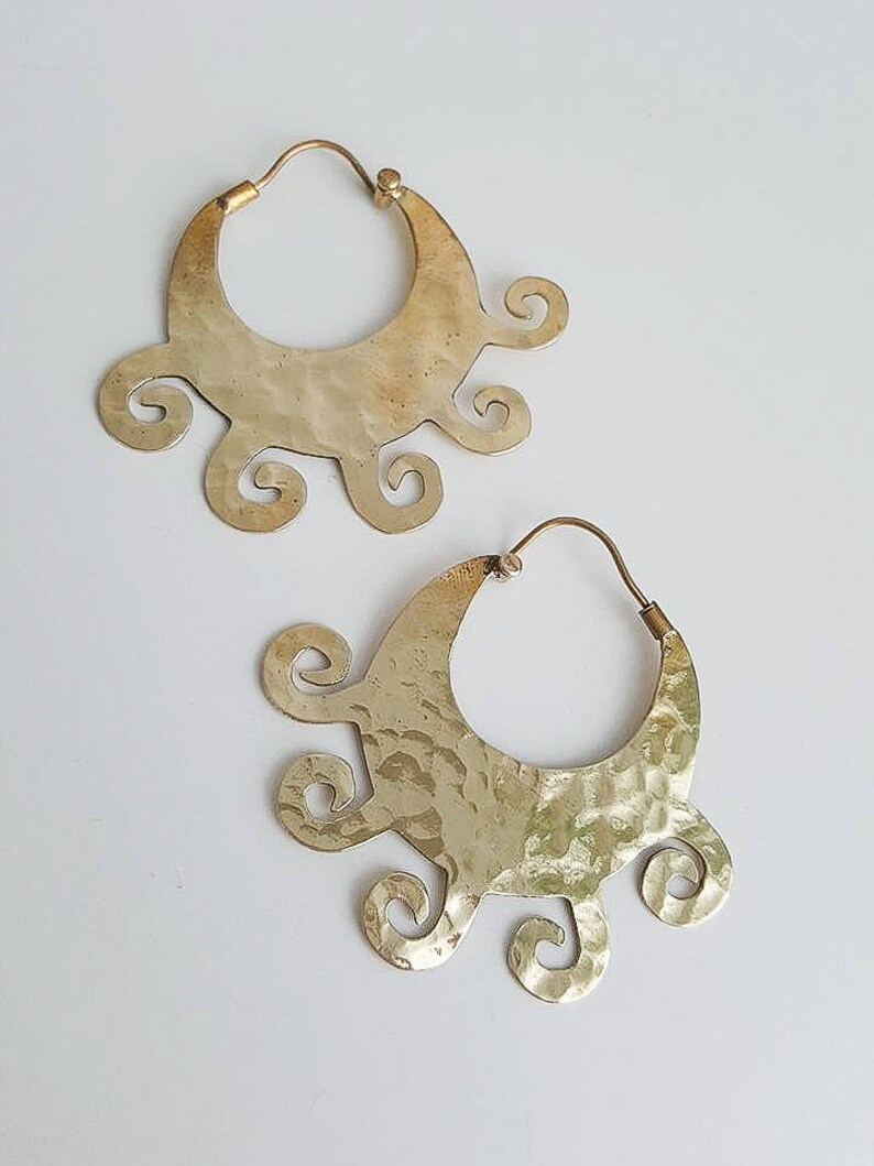 Circle Wind Earrings Hoop Raw Hammered Brass Simple Earrings Primitive Modern Tribal Minimalist Gold Metal Textured Round Circle Earrings