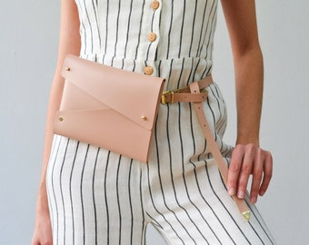 Nude leather belt bag