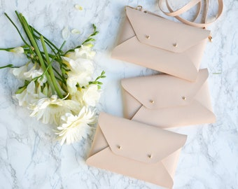 Bridesmaid gift set - Nude leather clutches - Set of 4-6 clutches