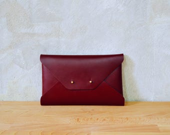 Bordeaux leather clutch bag