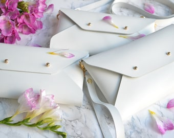 Bridesmaid gift set - White leather clutches - Set of 10-12 bags