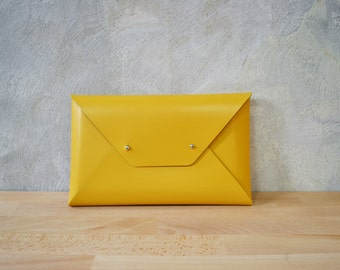 Medium leather clutches
