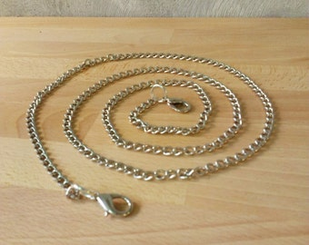 Metal chain for your clutch