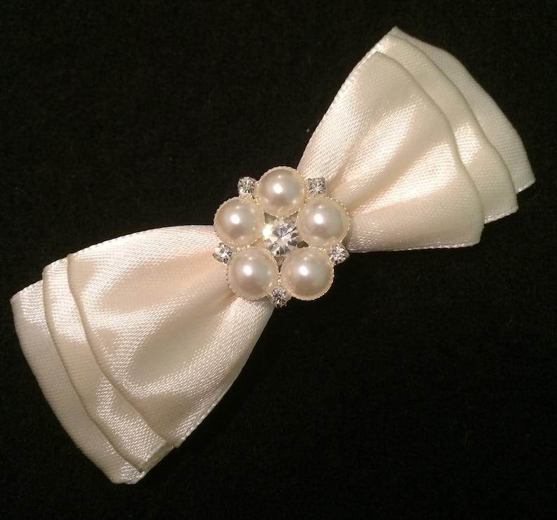 HANDMADE Pearl Heart Hair Bow Girls Ivory Lace Christening Wedding Hair Bow