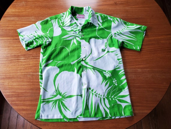 Awesome & Vintage 1960's Waltah Clarke Green and W