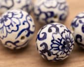 14mm or 28mm vintage style Chinese white and blue porcelain rounds with flower and vine pattern motif circular beads bead lot chinasorie