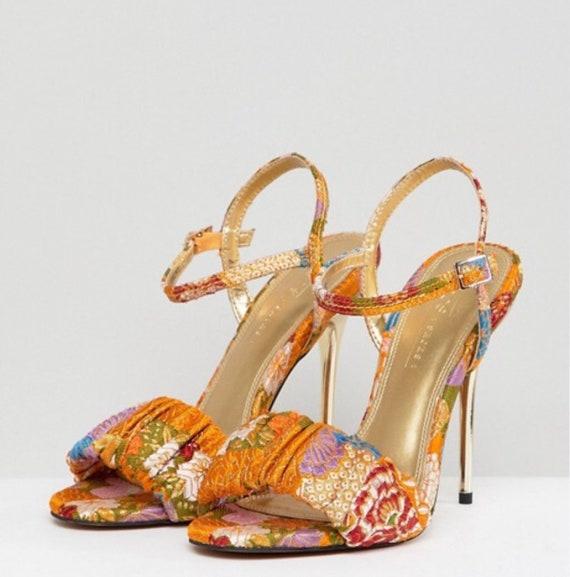 df0e65a201322 Vintage Style Multi Color Heel Scandal