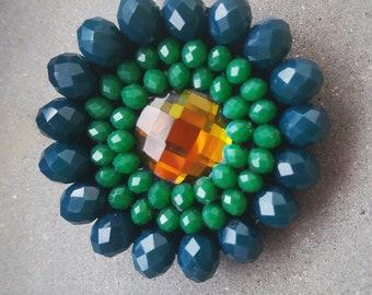 Round green brooch, 1950s brooch, hat brooch, statement brooch, vintage brooch, sunflower brooch