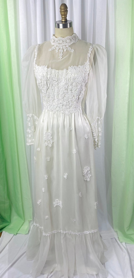 1970s wedding dress/ vintage white wedding dress