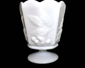 VINTAGE MILK GLASS Pedestal Vase Napco White Mid Century Milk Glass Vase Retro White Home Decor