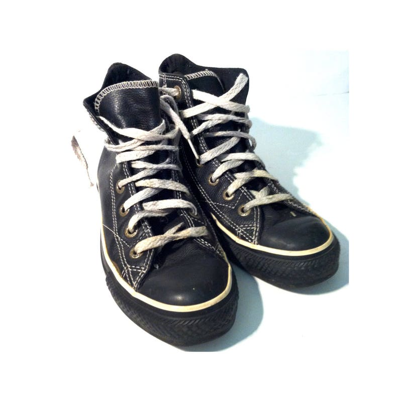 5de126e1142696 Vintage BLACK LEATHER CONVERSE Hi Tops Teens Shoes Size 3.5