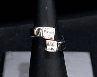 SILVER RING CZ Size 7.5 Bipass Band Ring w Clear Stones Free Shipping! Silver & Cubic Zirconia Ring Minimalist Ring Retro 925 Silver Ring