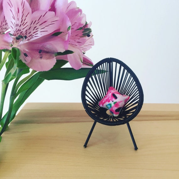 Awesome Mini Acapulco Replica Chair 1 12 Dollhouse Collectable Modern Outdoor Miniature Designer Furniture Dollshouse One Inch Blue Black Pink White Camellatalisay Diy Chair Ideas Camellatalisaycom