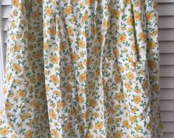 Floral Vintage Apron!