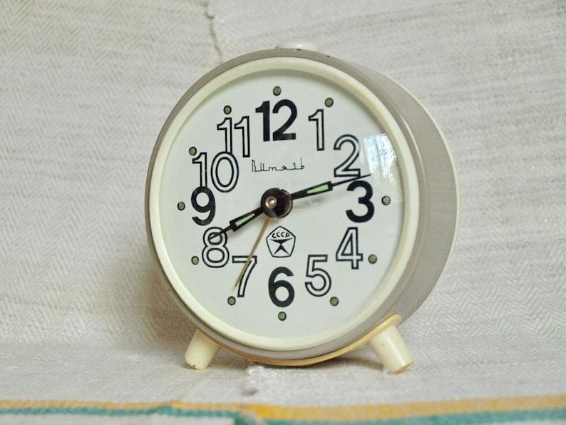 38c66cae709b Wind up alarm clock Mechanical desk clock Loud alarm clock   Etsy
