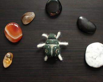 Beetle Brooch 03
