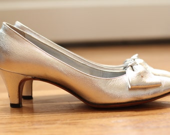 "60's John Jerro Sweet ""Silver and Bows"" Pumps"