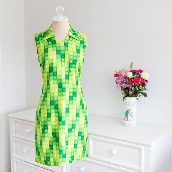 1970's Bright Green Yellow Geometric Square Sleeve