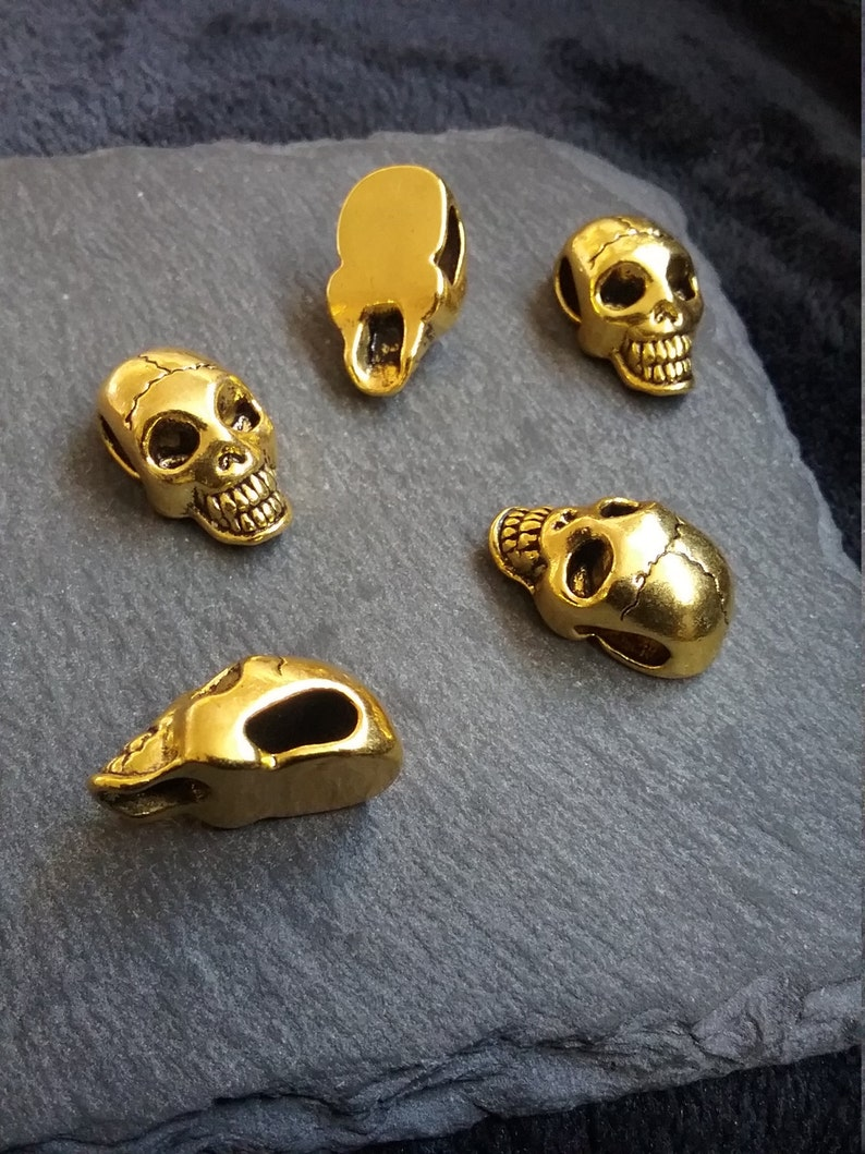 Antique Gold Tone 3D Skull Pendant Beads With Flat Back