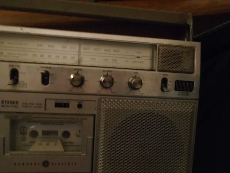 Vintage GE 3-5254A Cassette Recorder Boombox