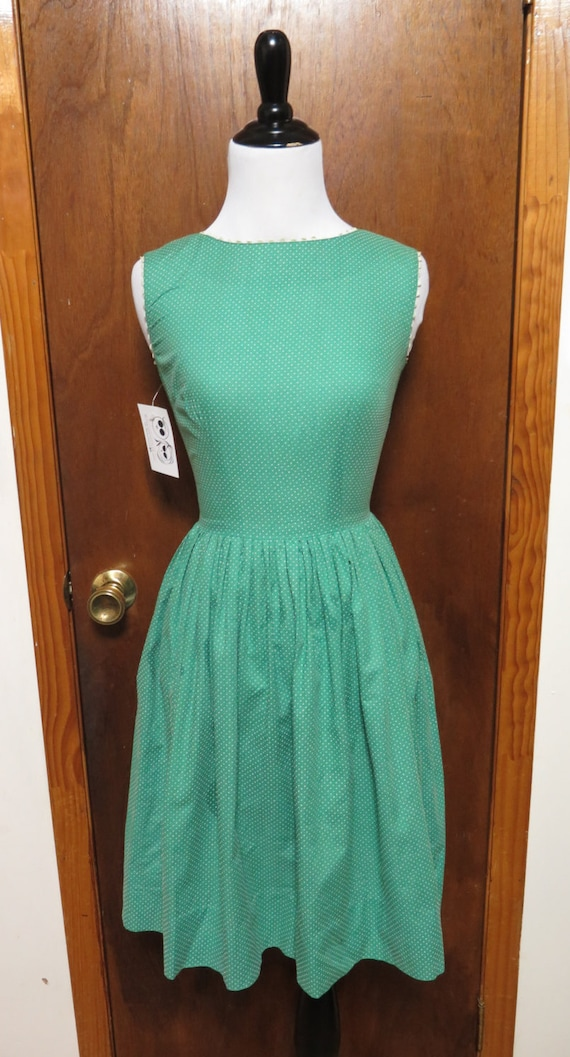 Vintage Kelly Green Cotton Polka Dot Pleated 1950'
