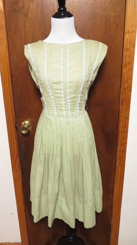 Vintage Minx Modes Cap Sleeve Pastel Green Gauzy C