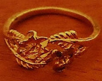 Vintage New Gold Tone Filigree Ring Sz 6.5