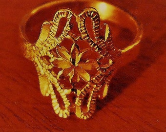 Vintage New Gold Tone Filigree Ring Sz 9.5