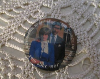 Lady Diana Spencer and The Price of Wales - Royal Wedding Badge 29th July 1981