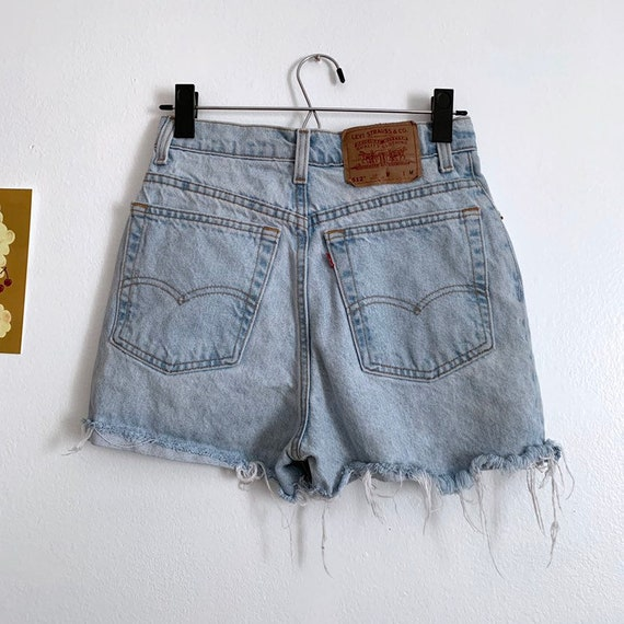 Sz 27 Vintage Levi's 512 high waisted denim shorts
