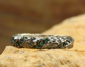 Hammered wedding band with emerald, Unique rocky wedding band, Wild relief band, Mens hammered ring, Unusual wedding band, Solid silver ring