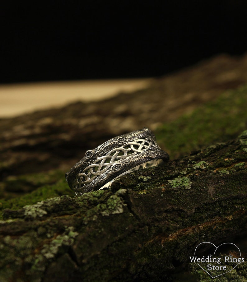 Tree silver wedding band Celtic wedding ring with tree bark Wide silver ring Unique silver tree band with celtic pattern Unusual band