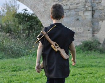 small wood crossbow with 3 arrows, medieval crossbow, kid crossbow, wood crossbow, viking wood weapon, viking crossbow, medieval kid costume