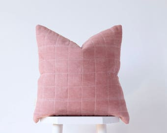 Naturally Dyed  Linen Pillow // Quilted Pink Cushion Cover // Hand Dyed Avocado Throw Pillow // Botanically Dyed Pillow // Squae Pillow