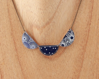 short necklace triple medallions graphic marine blue