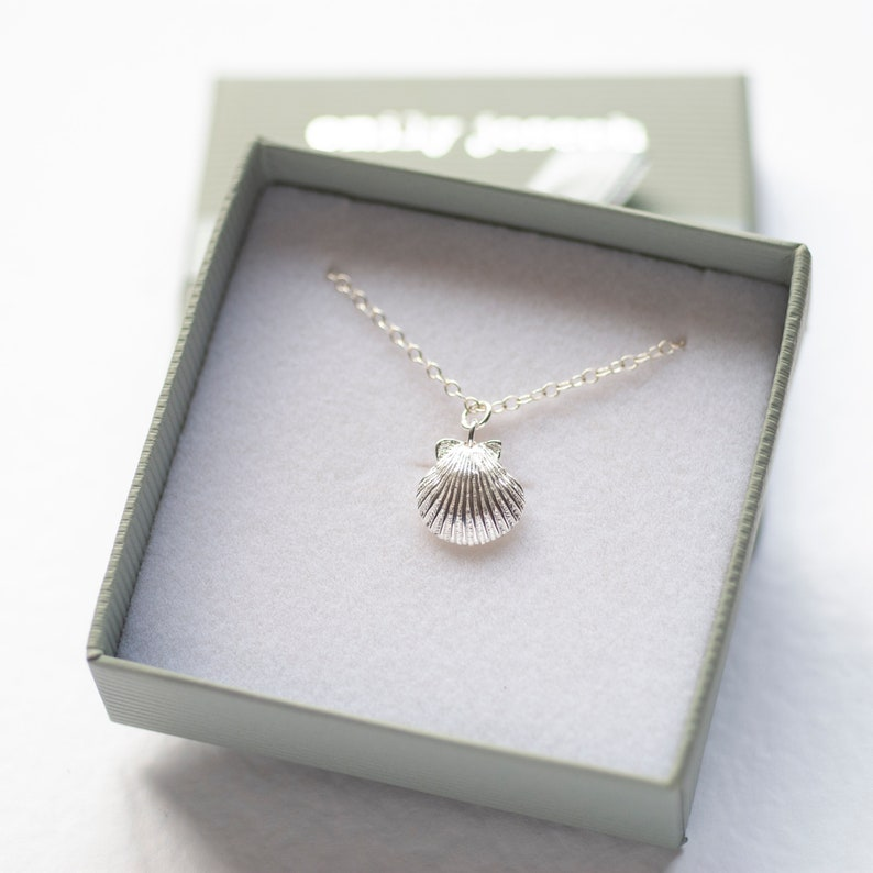 Beachcomber Necklace Dainty Necklace Shell Necklace Scallop Pendant Tiny Necklace Sterling Silver Necklace