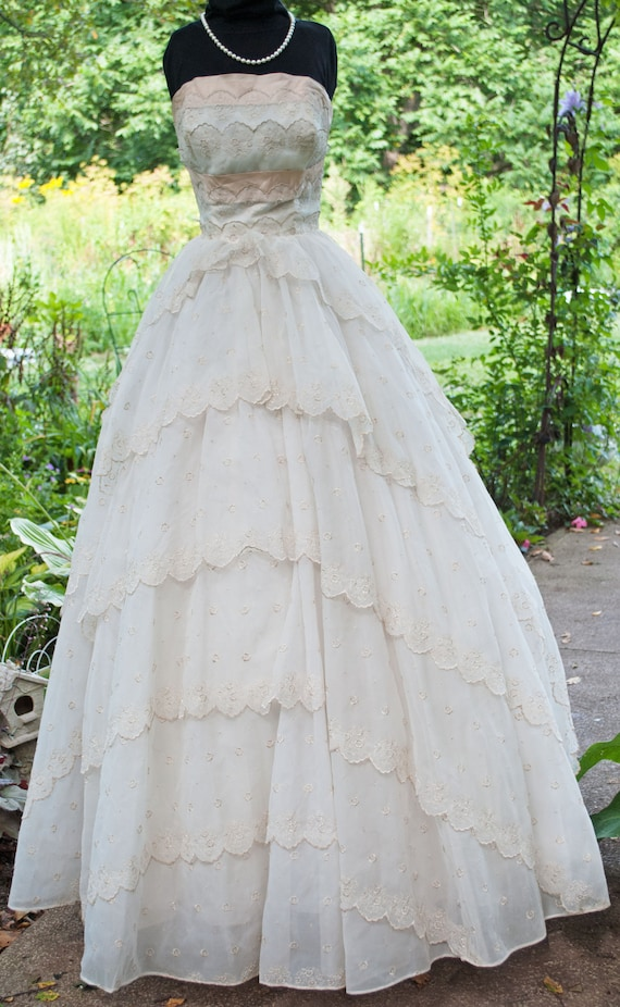 Vintage 1950's Prom Dress - Strapless party gown - image 2