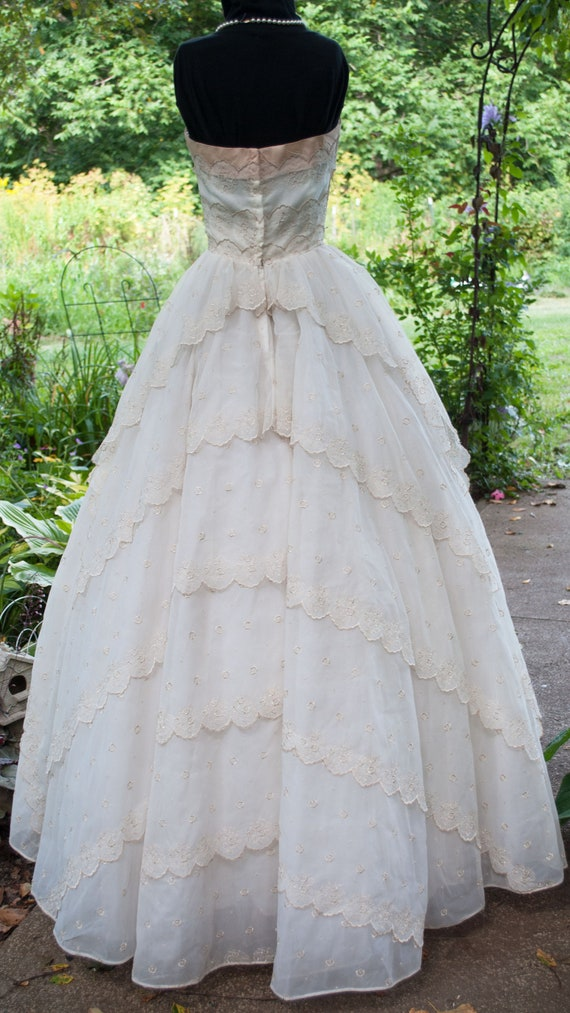 Vintage 1950's Prom Dress - Strapless party gown - image 4