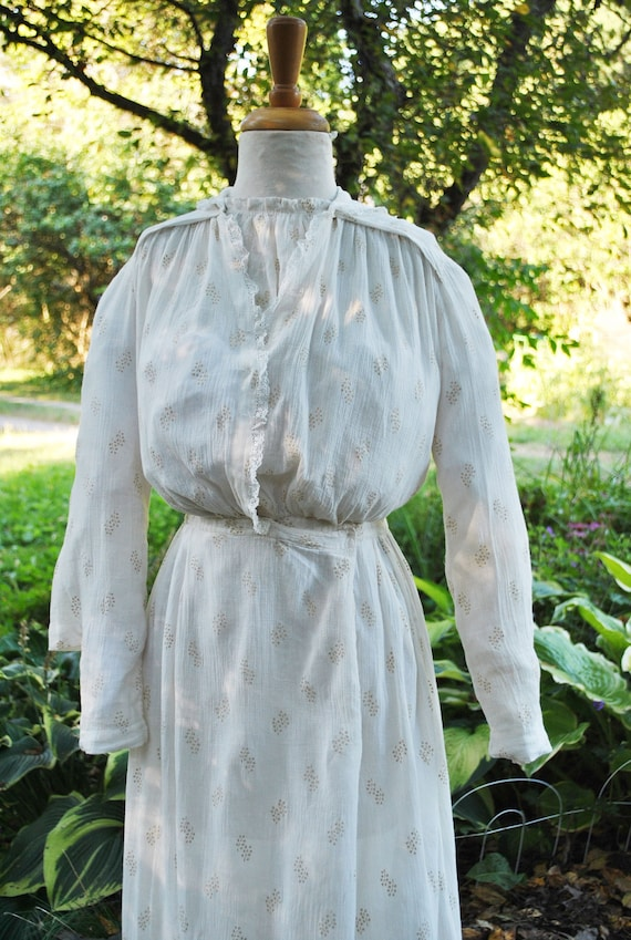 Antique Victorian White Cotton Dress With Small Ye