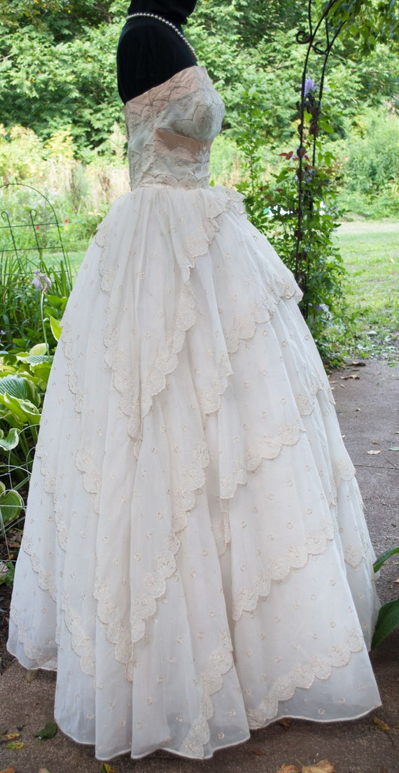Vintage 1950's Prom Dress - Strapless party gown - image 3