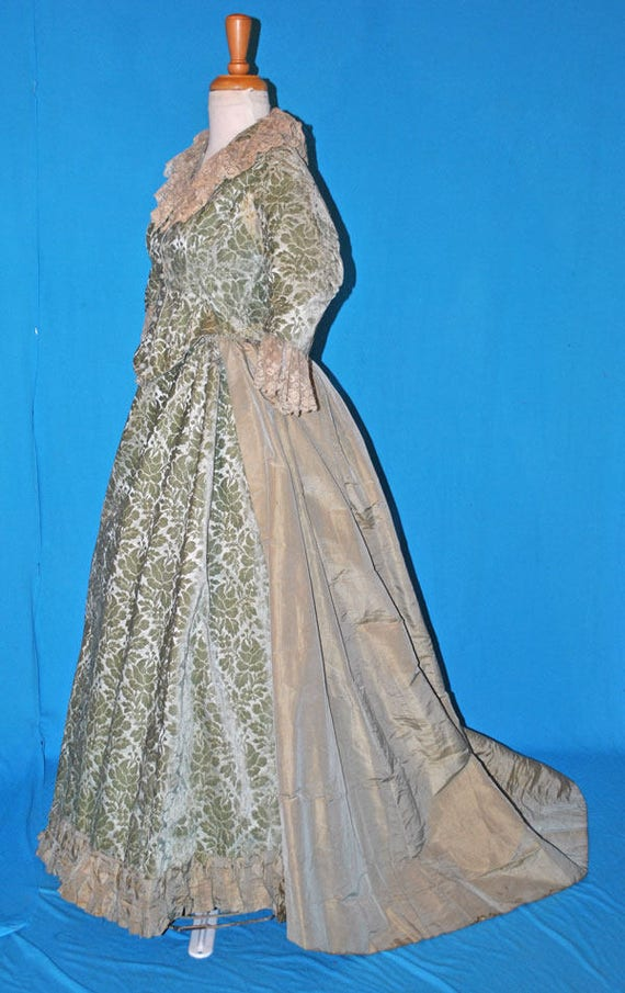 Antique Victorian 1880s Bustle Dress Walking Suit