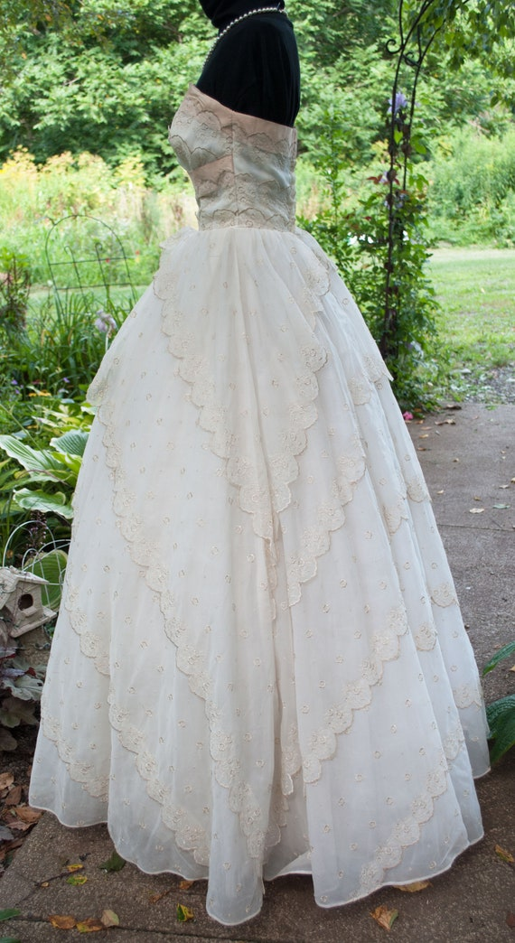 Vintage 1950's Prom Dress - Strapless party gown - image 5