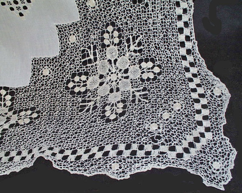 Measures 103 x 68 Hand Embroidered Loomed Net Lace Table Linen Vintage Table Cloth White work Linen Net Lace