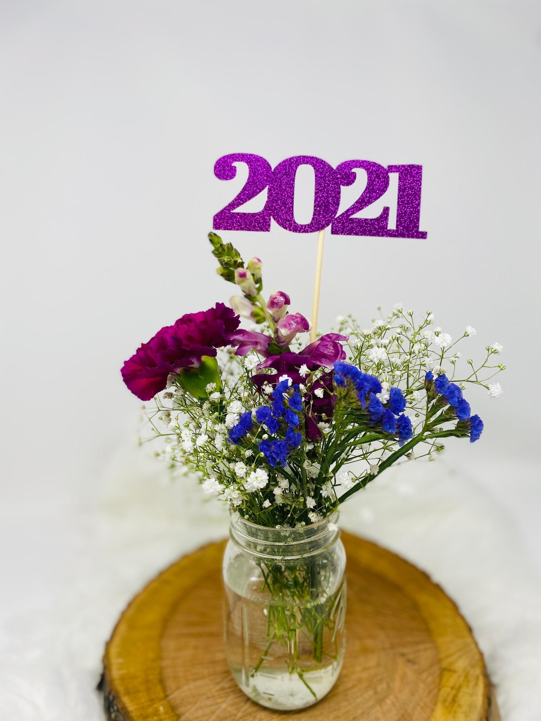 Graduation party decorations 2021, Graduation Centerpiece ...