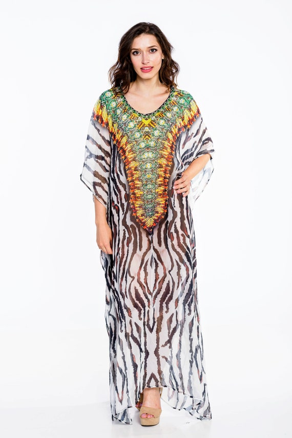Yours Clothing Women/'s Plus Size Black Animal Print Kaftan