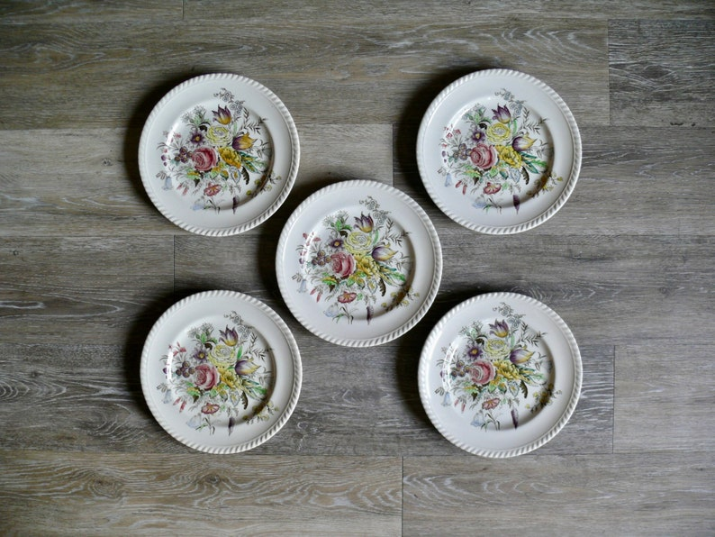5 Johnson Bros Garden Bouquet 9 Luncheon Plates Country Farmhouse Wedding Heirloom China Vintage Windsor Ware Made in England